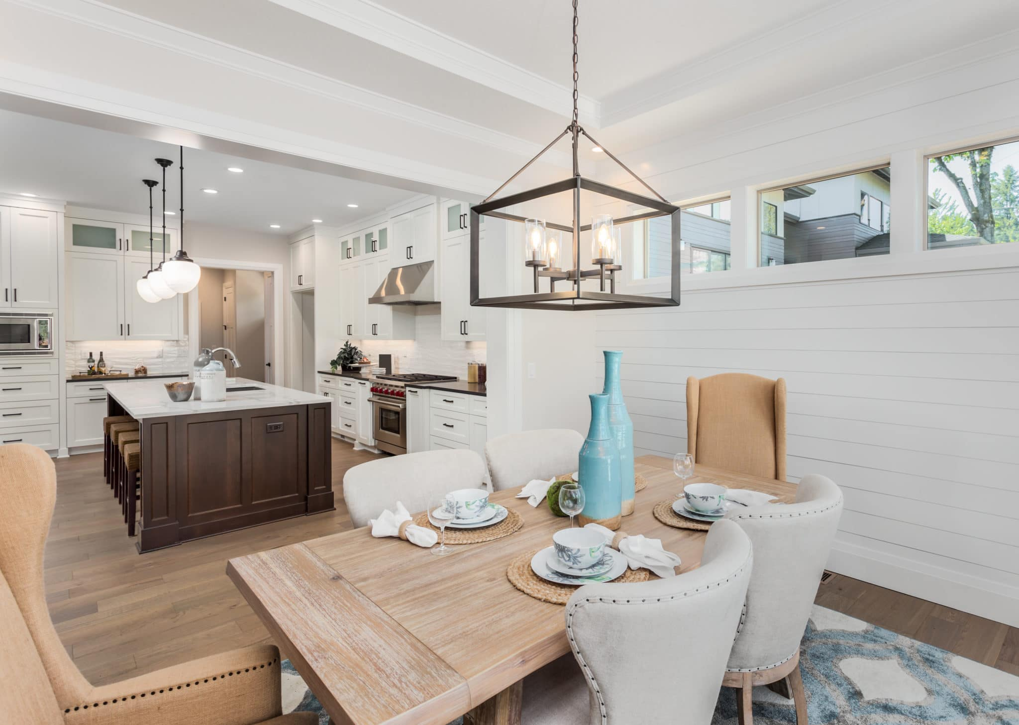 6 Quick Easy Dining Room Staging Tips, How To Set A Dining Room Table For Staging