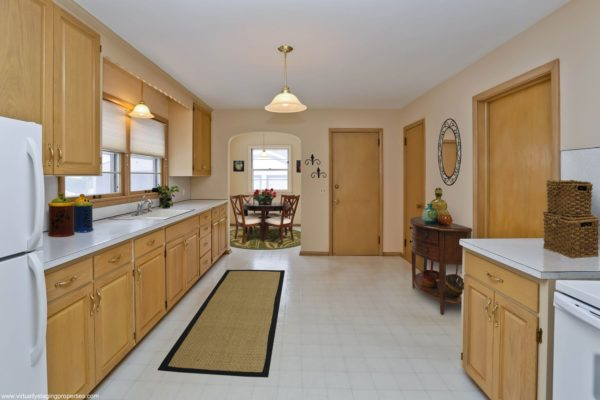 virtual staging kitchen 6